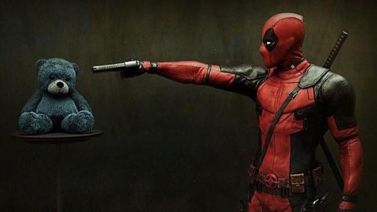 DEADPOOL: Herói invade cartazes de filmes no iTunes