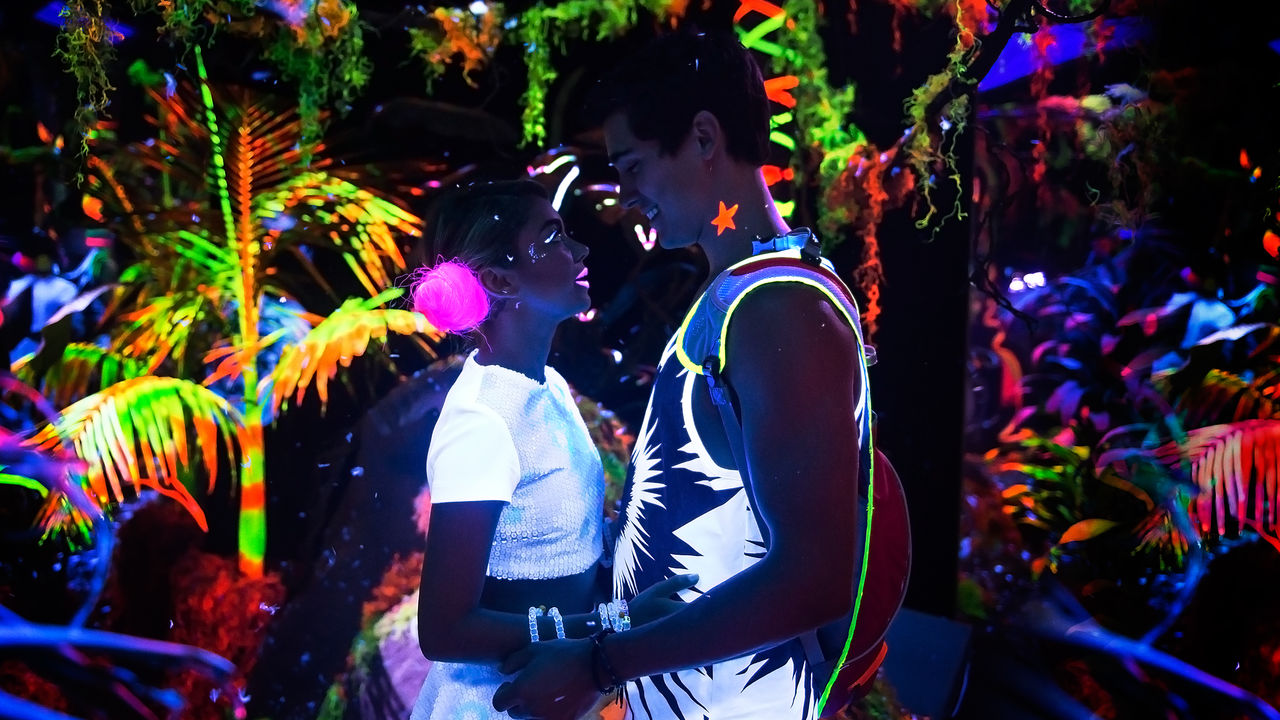 XOXO: Filme mais recente da Netflix aborda muito bem o universo da música eletrônica