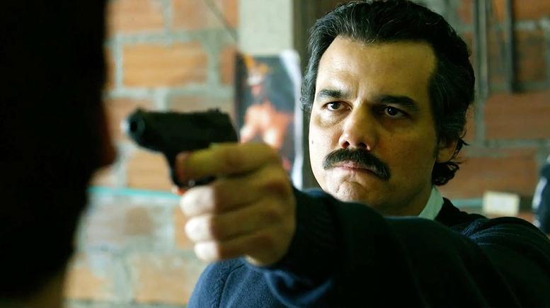 NARCOS: A guerra contra o tráfico muito além de Pablo Escobar
