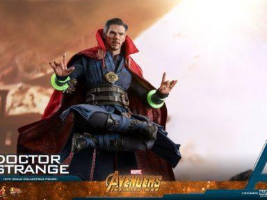 Hot Toys lança colecionáveis de Doutor Estranho e Deadpool